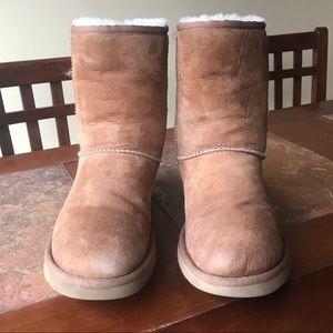 Short Chestnut UGG boots